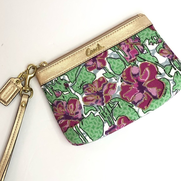 LNWOT Coach Wristlet Metallic Gold Leather Floral